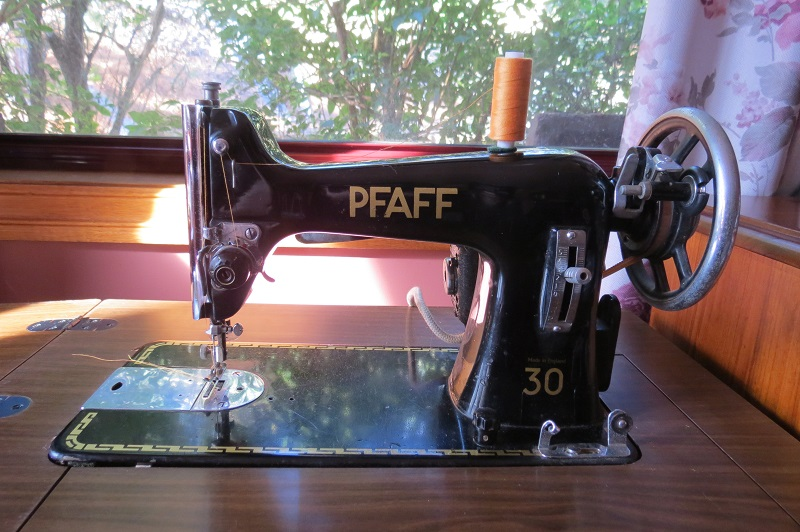 Object Biography Pfaff 40 Sewing Machine The Family Of Jo Fascinating Pfaff 30 Sewing Machine History